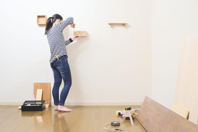 ハイタイプのコーナー壁面収納の上部を無駄にしない!