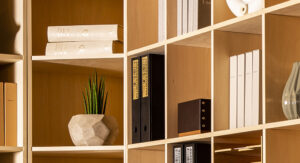 「その手作り、安全ですか?」壁面収納のレコードラックを安全にDIYする方法