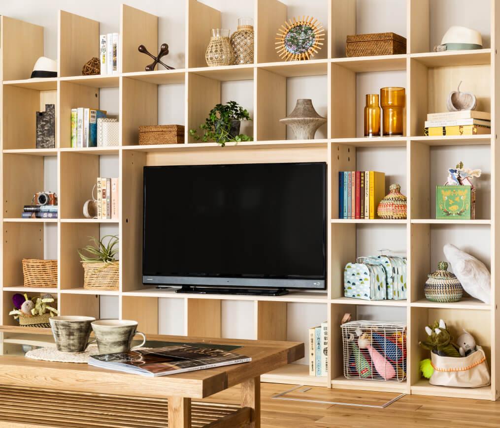 最大65インチのテレビが壁面に収納可能!リビングがミニシアターに